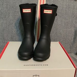 Short Black Matte Hunter Rain Boots!